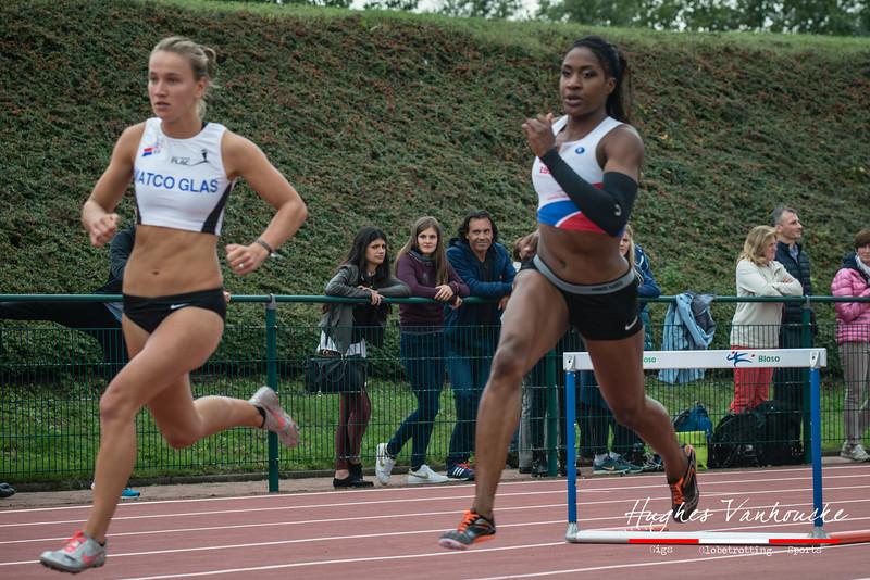 Flavie Vanbesien (FLAC Hoppeland) & de Jamaicaanse Abigail Chelsea Lewis (CABW) - 400 M Horden - BK Juniors & Beloften - Julien Saelens Stadion - Brugge - West-Vlaanderen