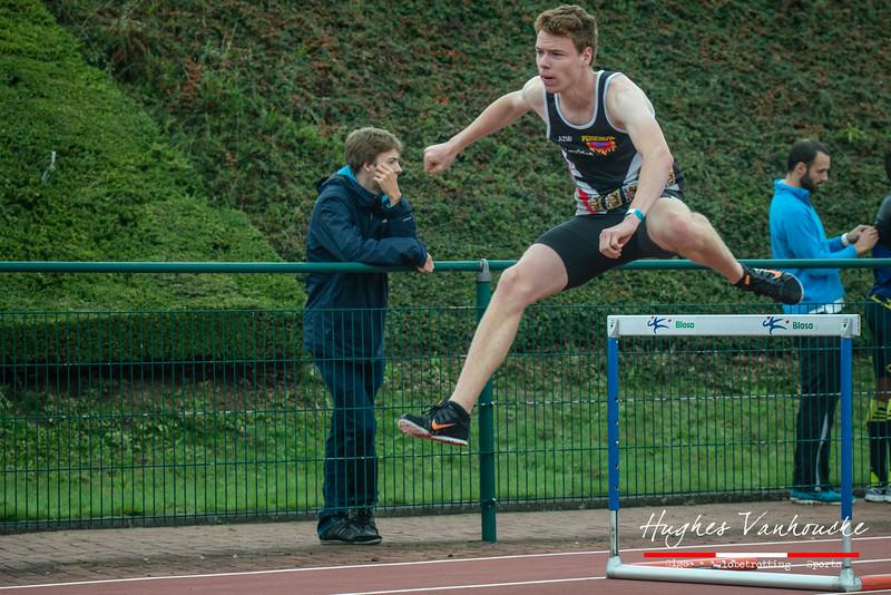 Olivier Sercu (AZW) uit Menen op de 400 M Horden - BK Juniors & Beloften - Julien Saelens Stadion - Brugge - West-Vlaanderen
