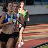 Eerste doortocht van de 4 x 800 M meisjes scholieren