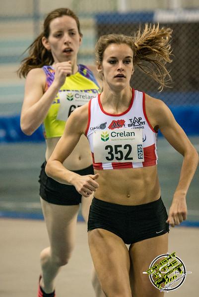 Ellen Beddeleem loopt in derde positie - 800 M dames juniors - Belgisch Kampioenschap Indoor Atletiek - BLOSO Topsporthal - Gent