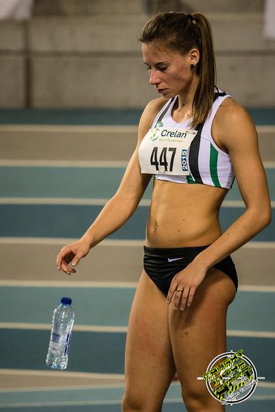 Renée Eykens kort voor de start - 800 M dames juniors - Belgisch Kampioenschap Indoor Atletiek - BLOSO Topsporthal - Gent