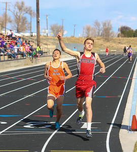 Potter-Dix's Jake B. Johnson wins in the 1600 with Cody-Kilgore's Seito Ono on his heals.