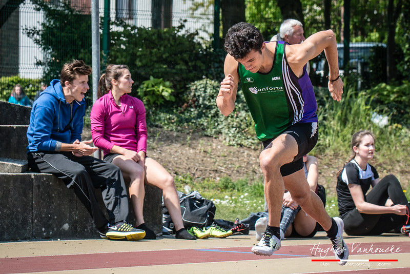 Start van Giovanni Pieters (AC Meetjesland) op de 400 M Horden @ Belgisch Kampioenschap Studenten - Stade La Mosane - Jambes - Namen