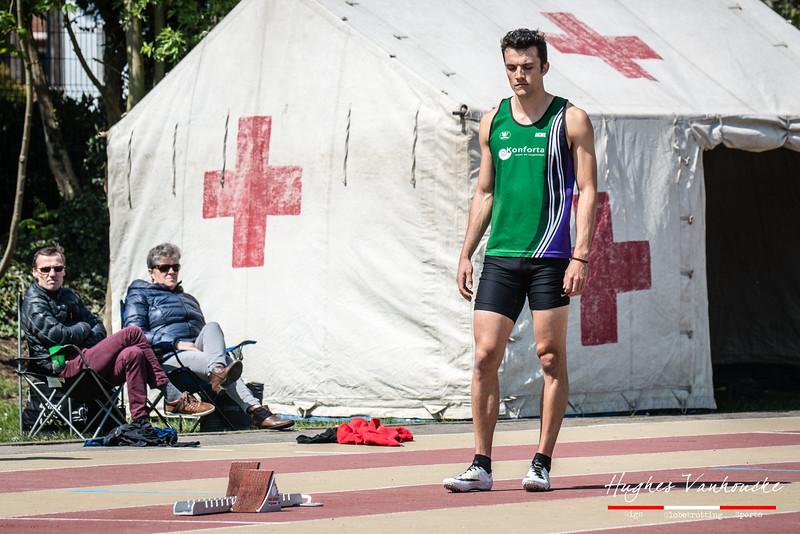 Giovanni Pieters (AC Meetjesland) aan de start van de 400 M Horden @ Belgisch Kampioenschap Studenten - Stade La Mosane - Jambes - Namen