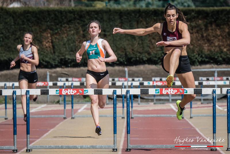 Eva Duynslaeger wint de 400 M Horden bij de dames @ Belgisch Kampioenschap Studenten - Stade La Mosane - Jambes - Namen