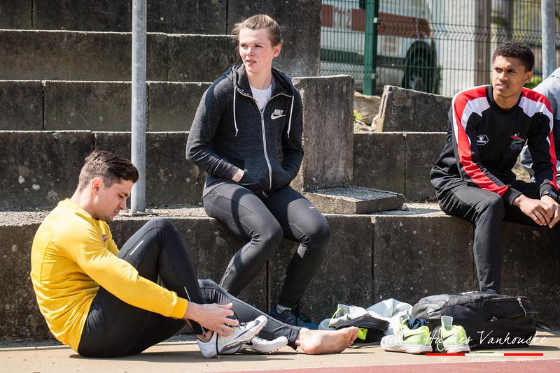 Mathias Sanctorum maakt zich klaar voor de 400 M @ Belgisch Kampioenschap Atletiek voor studenten - Stade La Mosane - Jambes - Namen
