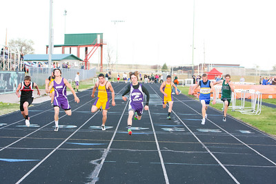 Garden County's Devon Sullivan wins the 100 meter dash
