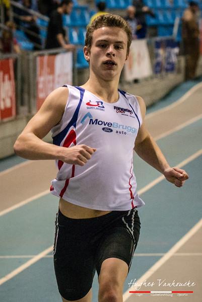 Tibo Van De Sande (Olympic Brugge) in de reeksen van de 2OO M @ Kampioenschap van Vlaanderen - BLOSO Topsporthal - Gent