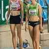 Hanne Van Loock (DCLA) & Sofie Lauwers (RAM) aan de start van de 800 M Dames @ Kampioenschap van Vlaanderen - BLOSO Topsporthal - Gent