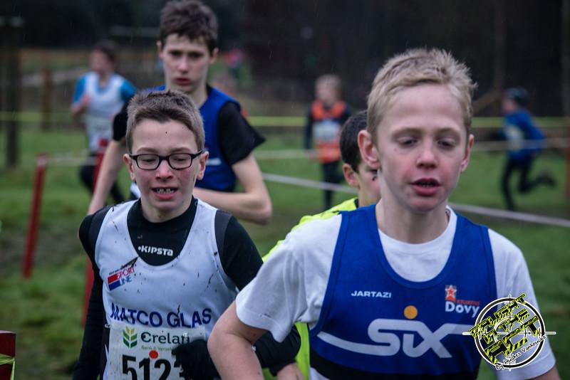 Winnaar Robbe Depotter met Jonas Ingelbeen van FLAC in zijn spoor - Jongens Miniemen 2003 - Grote Prijs Stad Ieper
