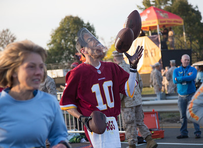 RG III? here at the start of the race was observed at Mile 18 still juggling footballs.