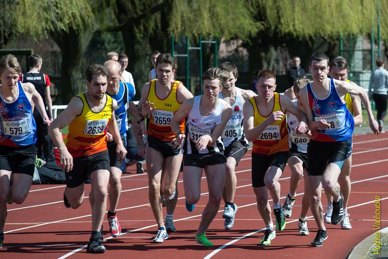 Start van de 1.000 M met vlnr Dries Willems, Lieven Vandeweghe, Yngwie Vanhoucke, Steven Callens & Hannes Bollaert<br /> Memorial Guy Dorchain - Wembley sportcomplex - Heule/Kortrijk<br /> Zaterdag 20 april 2013