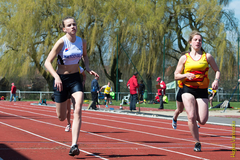 Ine Mylle (Flac Ieper) met winst op de 100 M scholieren dames - Memorial Guy Dorchain - Wembley sportcomplex - Heule/Kortrijk<br /> Zaterdag 20 april 2013