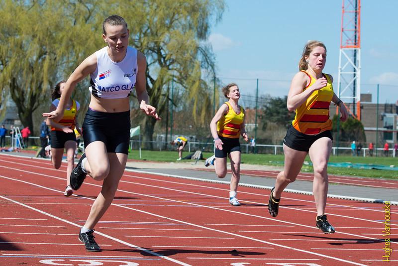 Winst voor Ine Mylle op de 100 M scholieren dames<br /> Memorial Guy Dorchain - Wembley sportcomplex - Heule/Kortrijk<br /> Zaterdag 20 april 2013