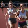 Aankomst van Noa Haghedooren & Lisa Van Renterghem op de  800 M cadetten meisjes - Memorial Leon Denys - Atletiekpiste Izegem - West-Vlaanderen