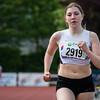 Evi Haghedooren van FLAC Hoppeland werd tweede op de 800 M voor dames scholieren - Memorial Leon Denys - Atletiekpiste Izegem - West-Vlaanderen