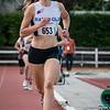Doortocht van de 800 M voor scholieren & juniors met op kop Ella Vanpoucke - Memorial Leon Denys - Atletiekpiste Izegem - West-Vlaanderen