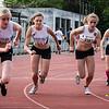Start van de 800 M dames scholieren & juniors met vlnr Annouk Dedeyne, Ella Vanpoucke, Helena Van Der Lint & Alice Depoortere - Memorial Leon Denys - Atletiekpiste Izegem - West-Vlaanderen
