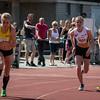 Start 800 M meisjes met vlnr Line De Waegenaere (KKS), Femke Viaene (FLAC) & Joke Lamerant (FLAC) - Memorial Leon Denys - Atletiekpiste Izegem - West-Vlaanderen
