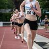 Annouk Dedeyne loopt op de tweede stek bij de doortocht van de 800 M voor scholieren & juniores dames - Memorial Leon Denys - Atletiekpiste Izegem - West-Vlaanderen