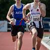 De strijd op de derde plaats tussen Ticky Marquebreucq van ACLE & Tim Devolder van FLAC op de 800 JSM - Memorial Leon Denys - Atletiekpiste Izegem - West-Vlaanderen