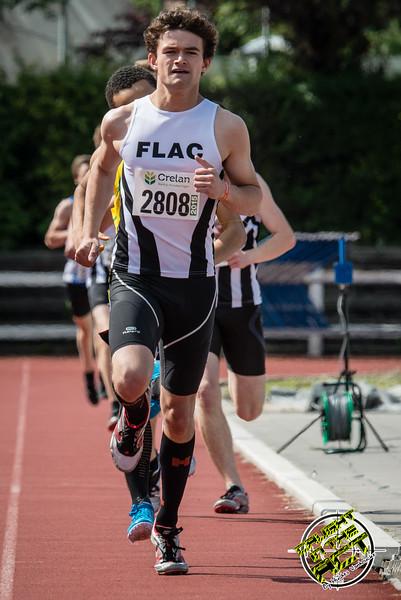 Doortocht van de 800 M Scholieren met Tanguy Van Ongevalle als haas van Falco Defour - Memorial Leon Denys - Atletiekpiste Izegem - West-Vlaanderen