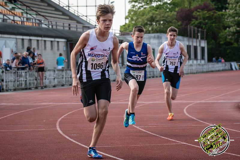 Start van de 800 M Cadetten Jongens met vlnr Tibaut Vandelannoote, Stan Vanhecke & Tim Depickere - Memorial Leon Denys - Atletiekpiste Izegem - West-Vlaanderen