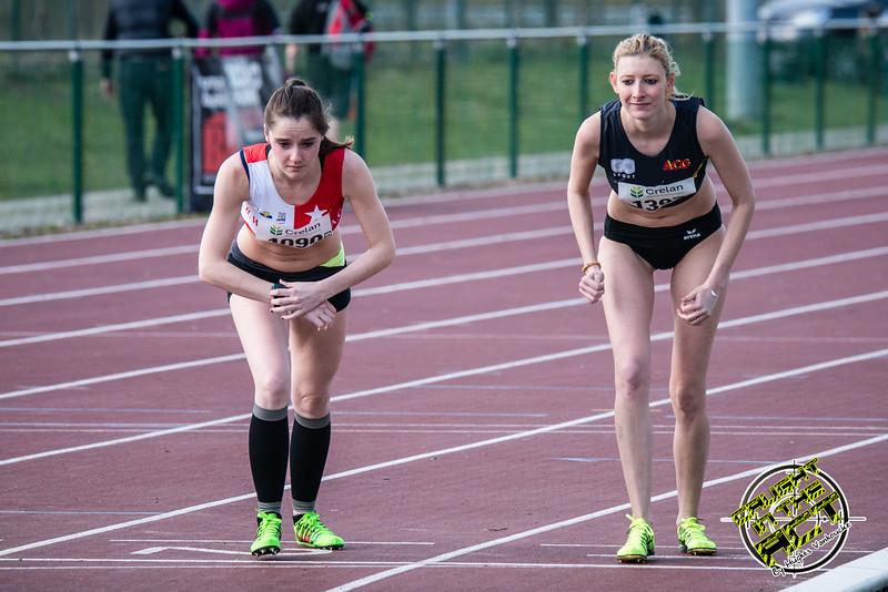 Hélène Rassart (White Star Brussels) & Lindsay De Couck (AC Geraardsbergen) - Start 800 M Dames - Open Meeting - VITA Ninove - Oost-Vlaanderen