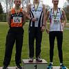 Podium 800 M voor seniors & masters met vlnr: Gunther Vanhoutte, Yngwie Vanhoucke & Hannes Moons - Provinciaal Kampioenschap - Sportpark De Lenspolder - Nieuwpoort