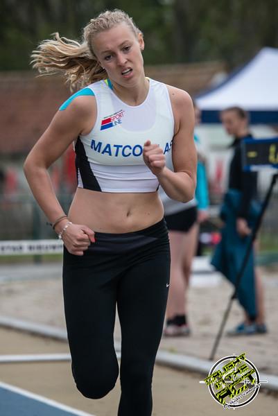 Charlie Verstraete van FLAC Oostkamp werd 2de Juniore - 400 M Horden JSM Dames - Provinciaal Kampioenschap 2015 - Sportpark De Lenspoder - Nieuwpoort