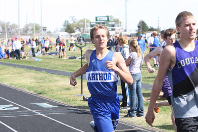 Aurthur County's Lane Vasa in the boys 800