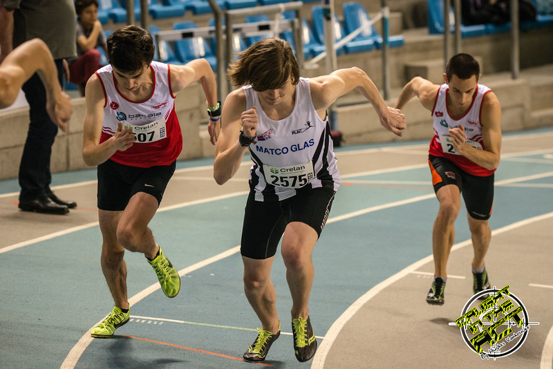 Start van de 800 M met Tomas Sisk & Yngwie Vanhoucke - Kampioenschap van Vlaanderen - BLOSO Topsporthal - Blaarmeersen - Gent