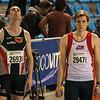 Hans Omey & Nolan Van Den Oord aan de start van de 800 M - Kampioenschap van Vlaanderen - BLOSO Topsporthal - Blaarmeersen - Gent