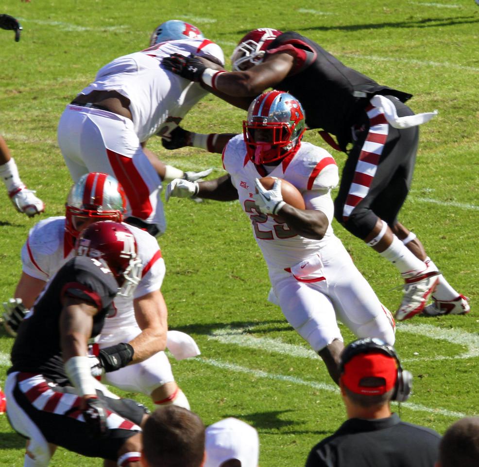 Jamison running the ball