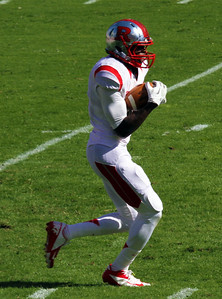 Rutgers' Deering receives the kickoff