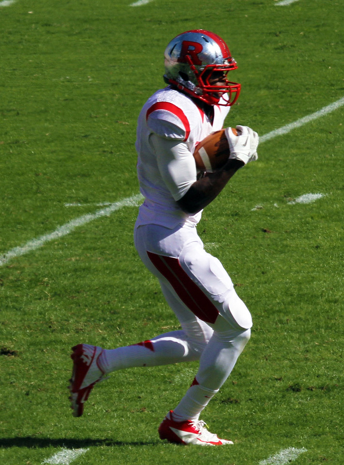 Rutgers' Deering receives the kickoff