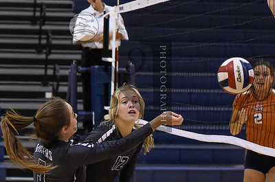 Texas Showdown Volleyball Classic Day 2. Smithson Valley vs James Madison. Gallery:http://smu.gs/2c9I1FX (SASports.com/Andrew Patterson)