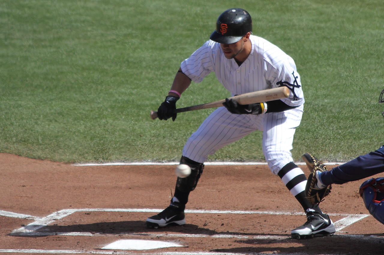 Gregor Blanco lets one go by low.