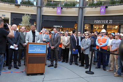 2013 - Sacto. Downtown Mall Kings,Mayor Kevin Johnson Press Conference