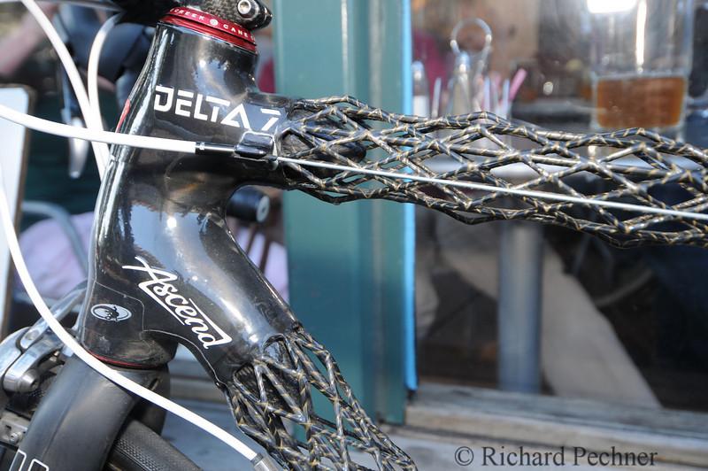 Delta 7 Ascend IsoTruss Carbon Fiber Bike