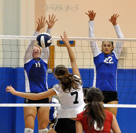 Santa Margarita vs Woodbridge Girls Volleyball 9-15-10