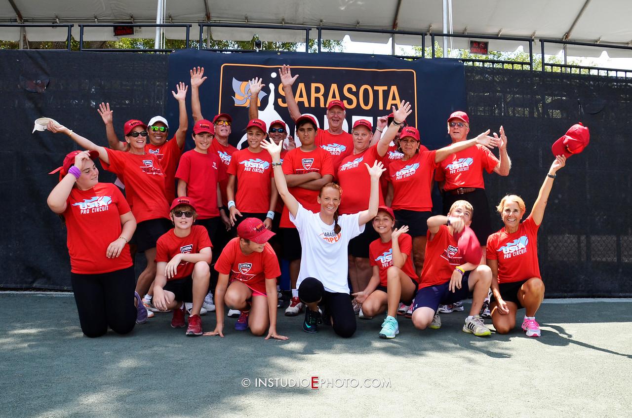 _PMC5835 Volunteers Ball Kids