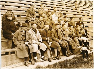 19300418 Onderschrift: Scarborough 1930 Opmerking: zie Hockey 3 april 1930 p.1: vrijdagmiddag zullen photo's genomen worden ... Vandaar de datering.   Collectie Bakker Schut klein album Fotograaf: H. Walker Scarborough Formaat: 21 x 16 Afdruk zw
