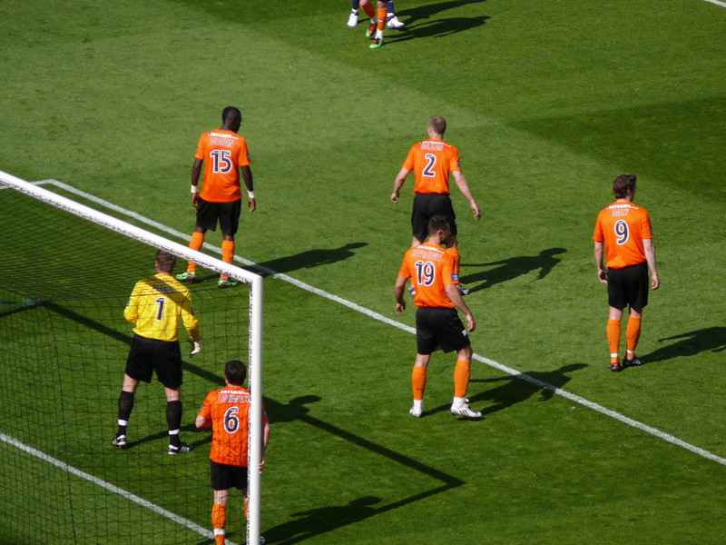Dundee United defend a corner.