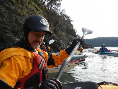 Rob demos paddle stroke.