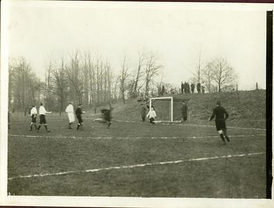 19251220  wedstrijd DHV-UD reunisten. Dit is de scan door Hekkert. Zie verder bij foto gescand door Gea Zieverink.
