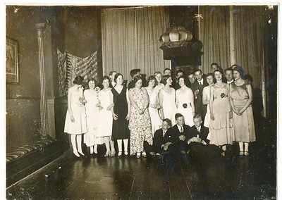 19300401 Achterop: zie scan achterzijde  Collectie Coldewey afkomstig Annet Coldewey Fotograaf: onbekend  Formaat: 11 x 8  Afdruk zw