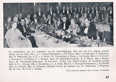 19381118 Onderschrift: zie foto    Clubnieuws 6 (1938-1939) 3 December 1938 Fotograaf: Van der Geijn Formaat: 17 x 7 Afdruk zw