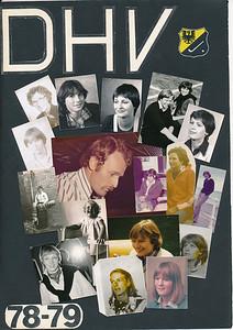 Onderschrift: 78-79 Opmerking: Dames 1 1978-1979   Archief DHV Hangt in clubhuis in lijst  Fotograaf: diverse speelsters Formaat: 29 x 21 Afdruk kleur