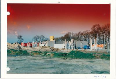 199412 Onderschrift: dec. 94 Opmerking: het nieuwe clubhuis in aanbouw december 1994. Foto is verstuurd als Kerst/Nieuwjaarskaart.   Archief Ordner 92-95 diversen